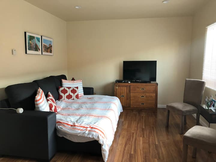 Laguna's Comfy 1 Bd Private Apartment In Inglewood