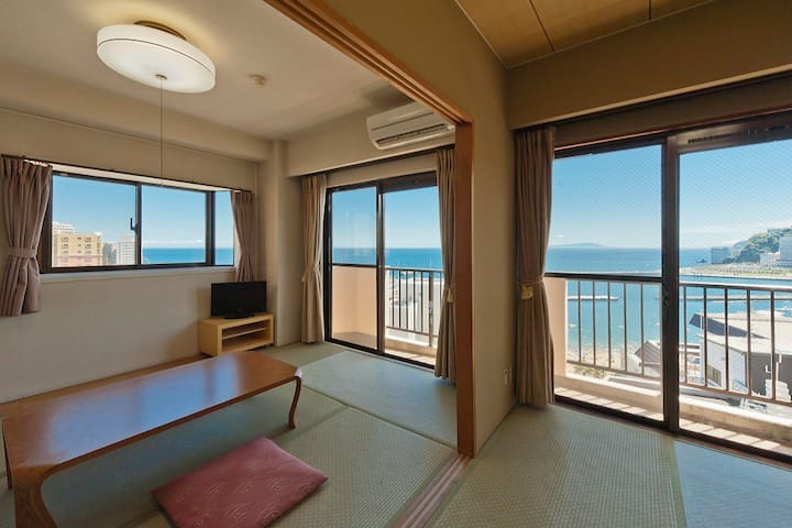 【6 mins from 熱海 Sta.】【4 pax】Good View Onsens+Private Onsens!Top floor 2 LDK