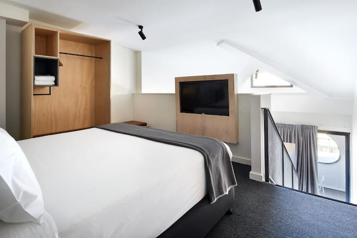 Delightful Suite Double Bed At Ultimo