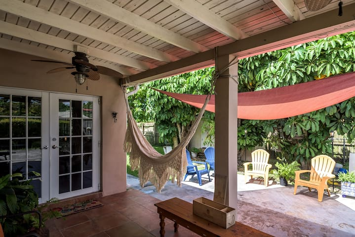 Suite with private entrance #3. Close to FIU