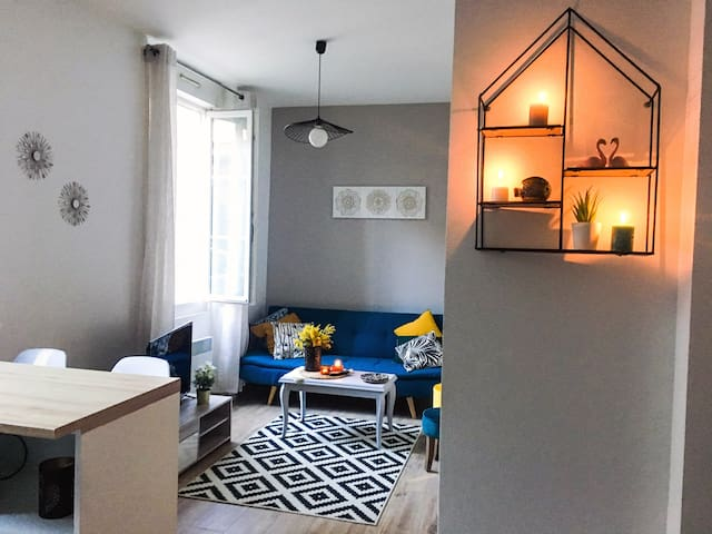 Cozy apartment downtown