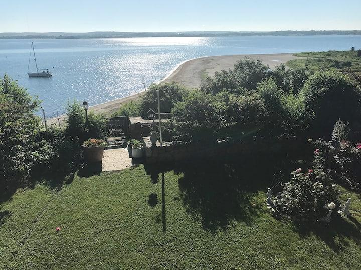 Sakonnet Escape waterfront guest suite