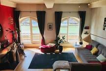 Salon avec vue sur la Saône