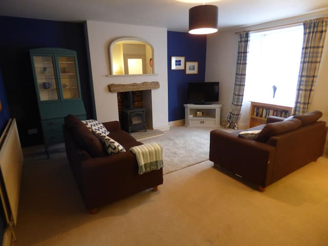 Cosy stone built cottage in the village centre - Corbridge - Hus