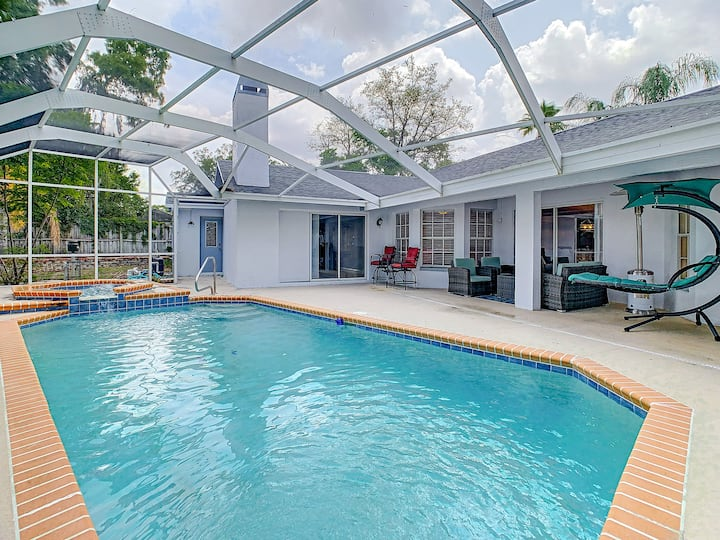 Newly Renovated Luxury Pool Home w/Pool Table