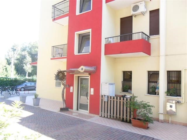 Apt for 2+2 pers with a/c in Eraclea Mare R33083