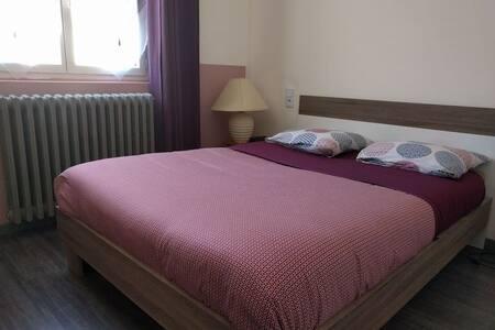chambre à louée à sisteron - Sisteron - 宾馆
