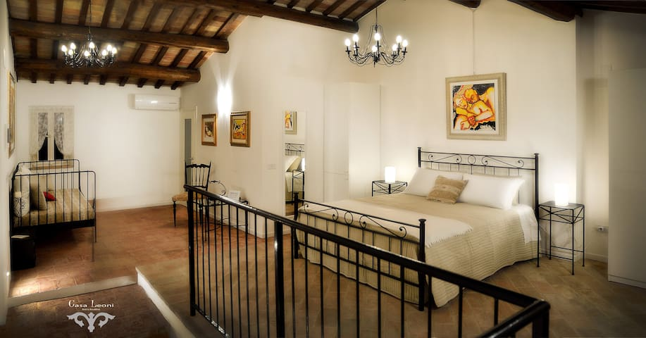 Casa Leoni Bed & Breakfast - SUITE matrimoniale - Urbisaglia - House