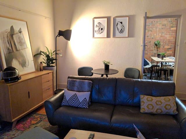 Homey room in the heart of Toorak