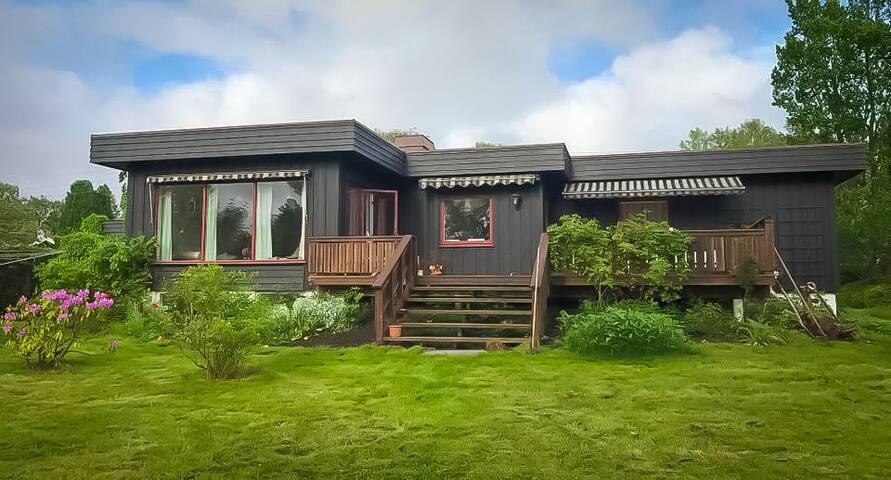 Villa med stor hage