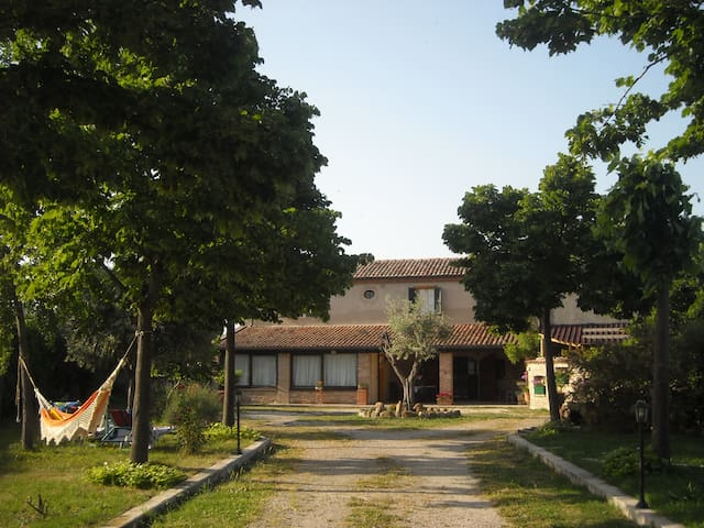 ACCOGLENTE CASA IN STILE COUNTRY