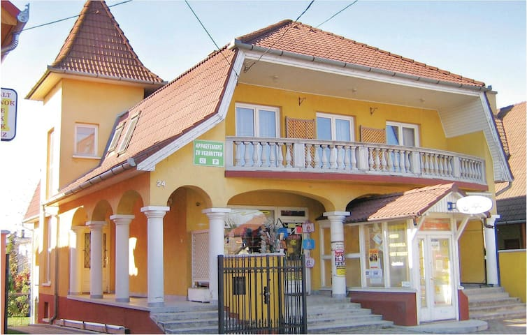 Holiday apartment with 2 bedrooms on 42 m² in Balatonlelle