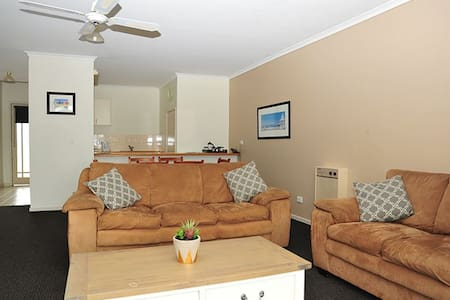 Mariners Cove waterview apartment - Paynesville - Wohnung