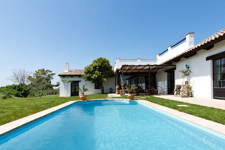 Superb self-sufficient villa near Vejer
