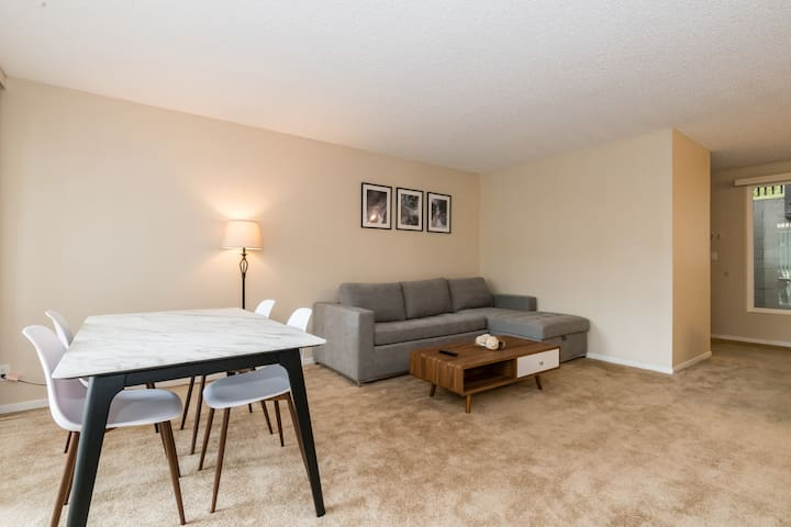 Amazing 2A San Bruno Apt with Parking+Pool!