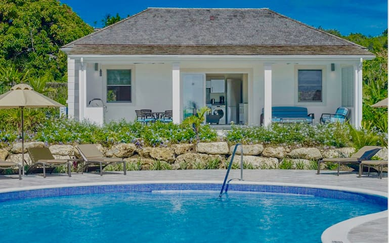 Luxury serviced 2-Bed, 2-Bath Villa 5* Golf Resort