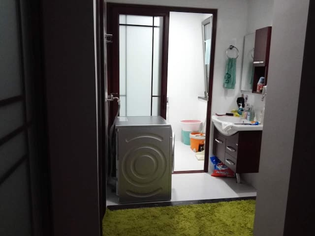 舒适两居改三居(合住) - Beijing - Condominium