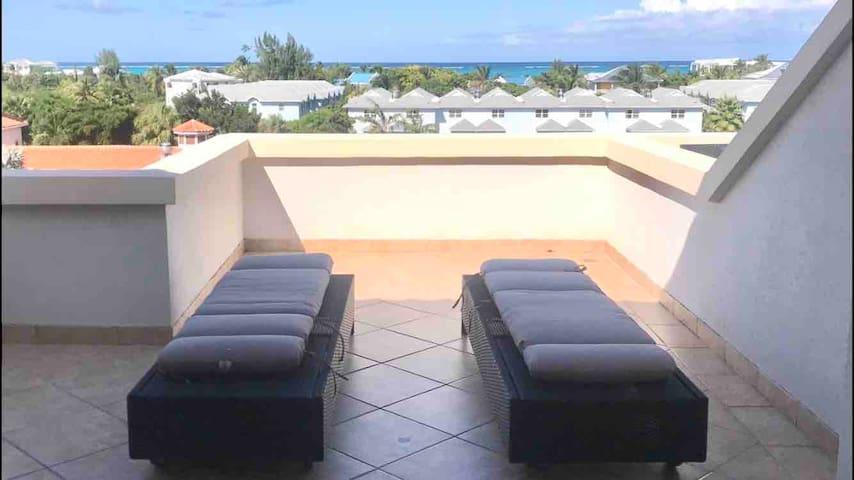 Luxury Ocean View Junior One Bedroom