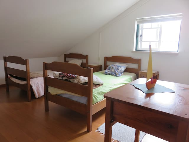 Room near Batalha and Fátima - Casal Santa Joana - Dům