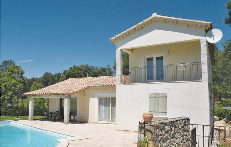 Holiday cottage with 3 bedrooms on 127 m² in BORDEZAC