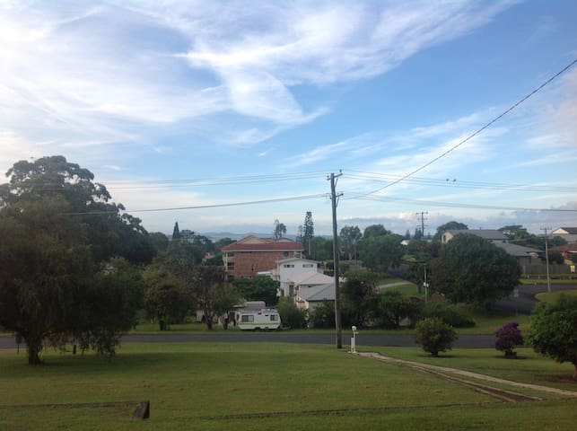 Ocean views with a 1 bedroom unit - Woolgoolga - Apartemen