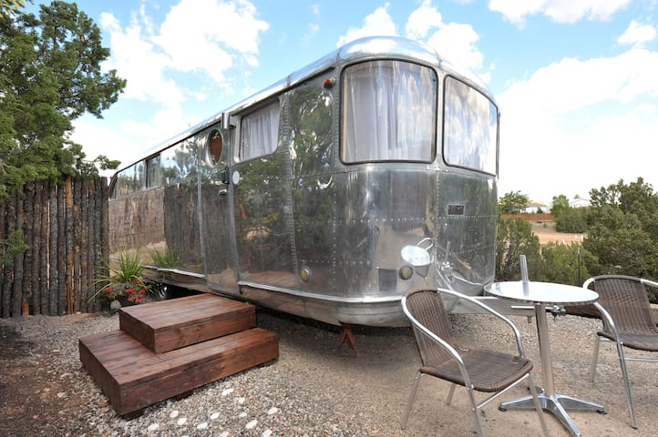 Tiny Home Vacation! - 1948 Spartan - sweet! - Santa Fe - Bobil