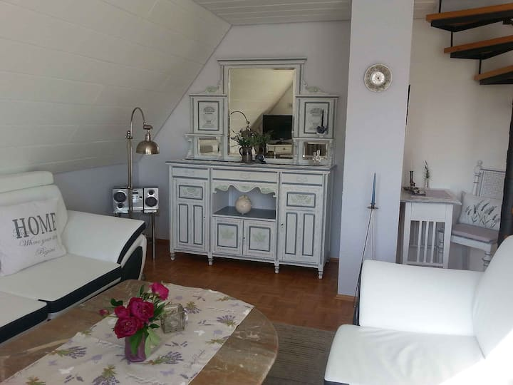 Ferienwohnung Knoll-Neyer, (Bad Waldsee), Ferienwohnung 75qm, 1 Schlafzimmer 1 Wohn-/Schlafbereich, max. 3 Personen