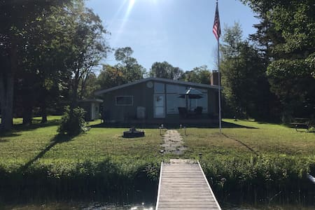 North Lake Cottage - N. Manistique Lake