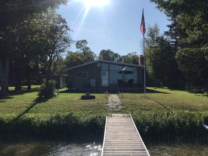 North Lake Cottage - N. Manistique Lake