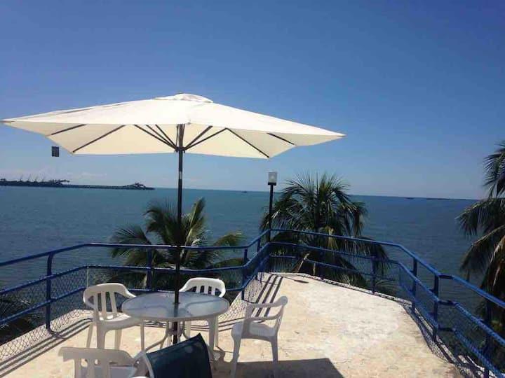 Increible casa con playa privada ¡te encantara!