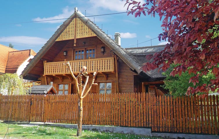 Holiday cottage with 3 bedrooms on 80 m² in Gárdony
