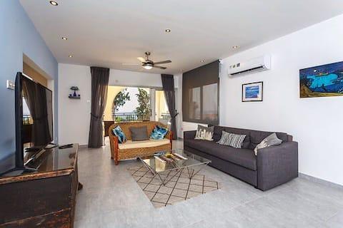 Sea Breeze Coral Bay, 3 спален апартамент