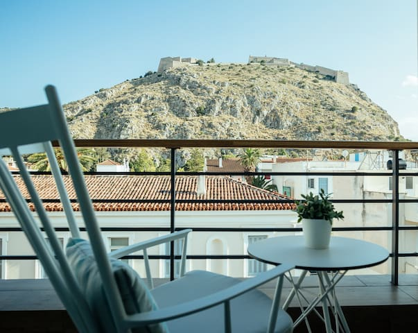Deluxe Suite with view of Palamidi Fortress