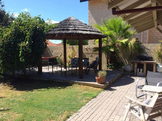Tropical Bicton Oasis