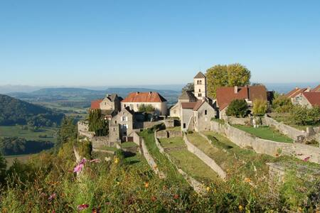 Maison de famille authentique et confortable - Château-Chalon