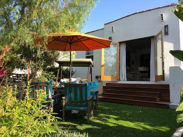 Weho lovely, arty home, pet friendly with garden.