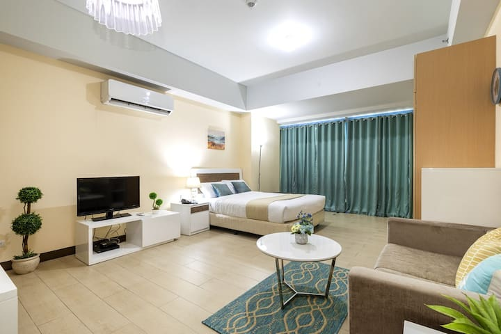 Comfortable Luxury Studio in Makati CBD (M7)