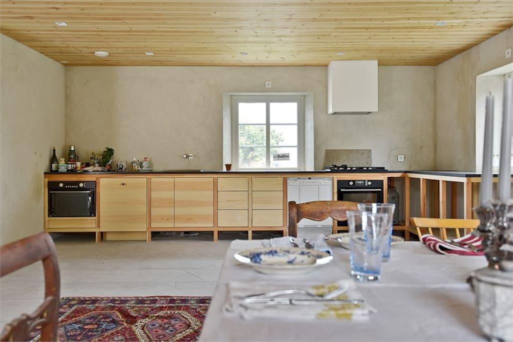Kitchen with plenty of room