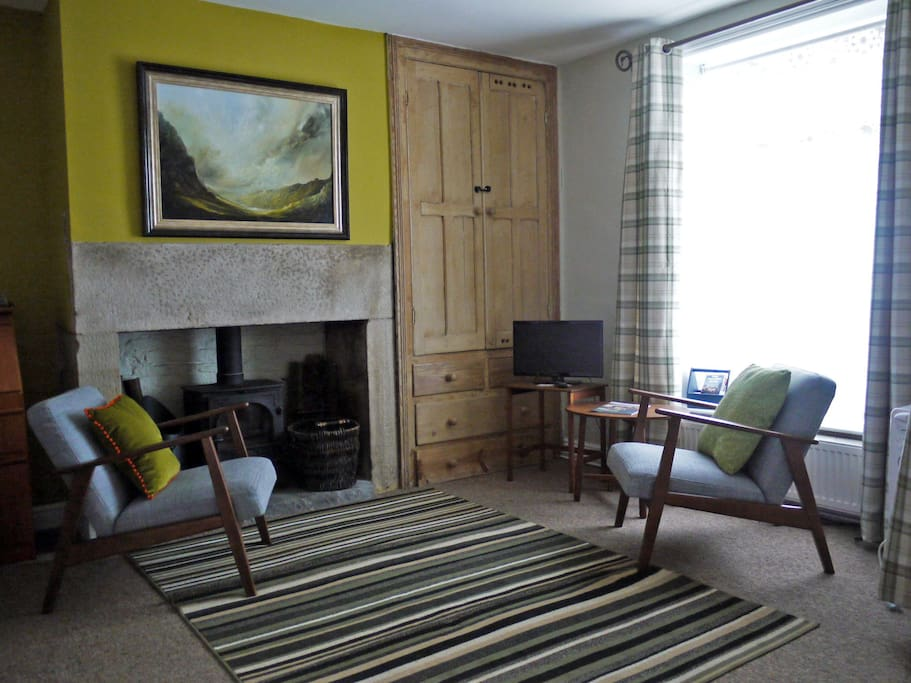 Living room converts to bedroom