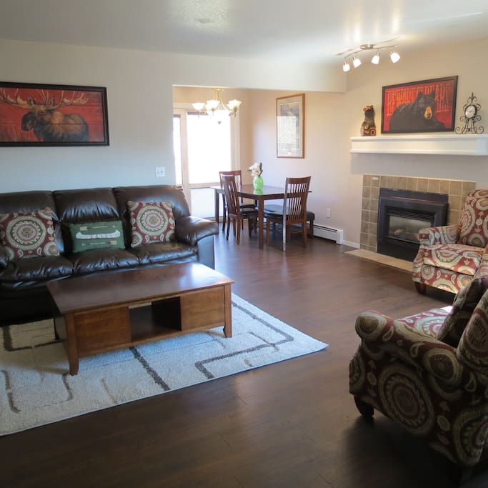 Comfortable Living Room with new Pergo floors