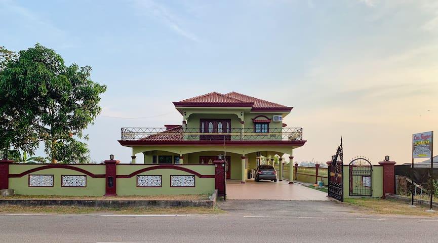 CASA BAYVIEW,Pantai Telok Gong,Pengkalan Balak