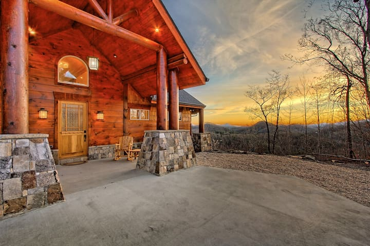 Rustic Luxury & Long Range Views in Clayton, GA - Clayton - House