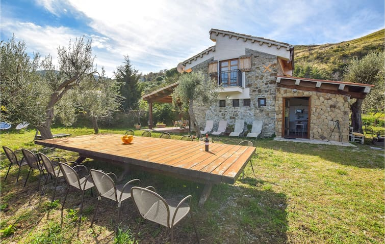 Holiday cottage with 2 bedrooms on 70m² in Cefalù