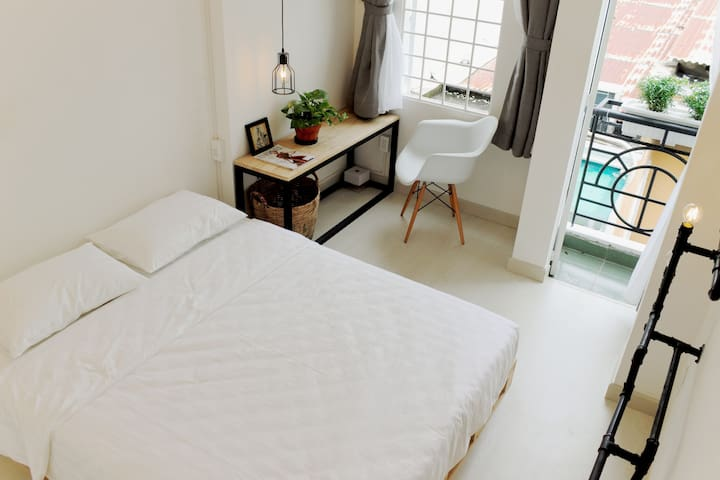 Charming and elegant room hidden away in alley - Ho Chi Minh City