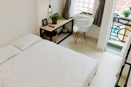 Elegant, charming and private room with balcony - Ho Chi Minh
