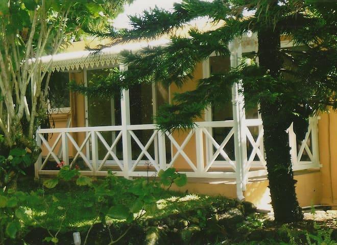65 M²♡Vie Locale☆Terrasse, jardin,rivière,parking☆
