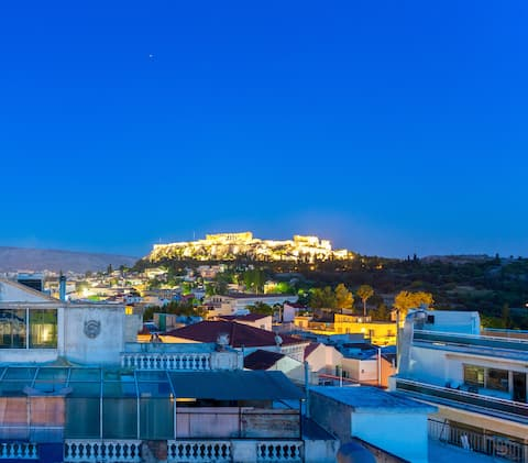 Access to a shared roof top terrace with breathtaking view of the Acropolis