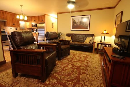 Texas Bungalow Haven - Fort Worth - Guesthouse - 1