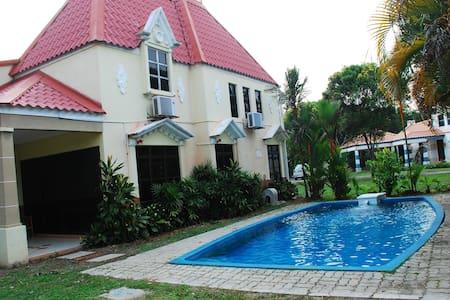AFamosa  Private Villa  Rental Alor Gajah MALACCA - Alor Gajah