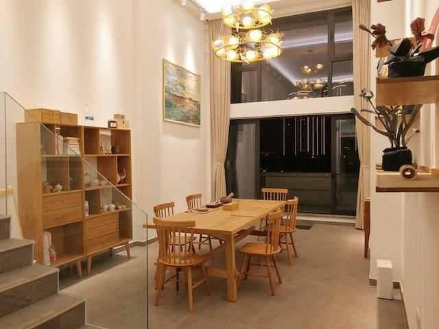 【南糖】整套loft公寓/南塘商业中心三楼/舒适两房/超大客厅/民宿/party优选
